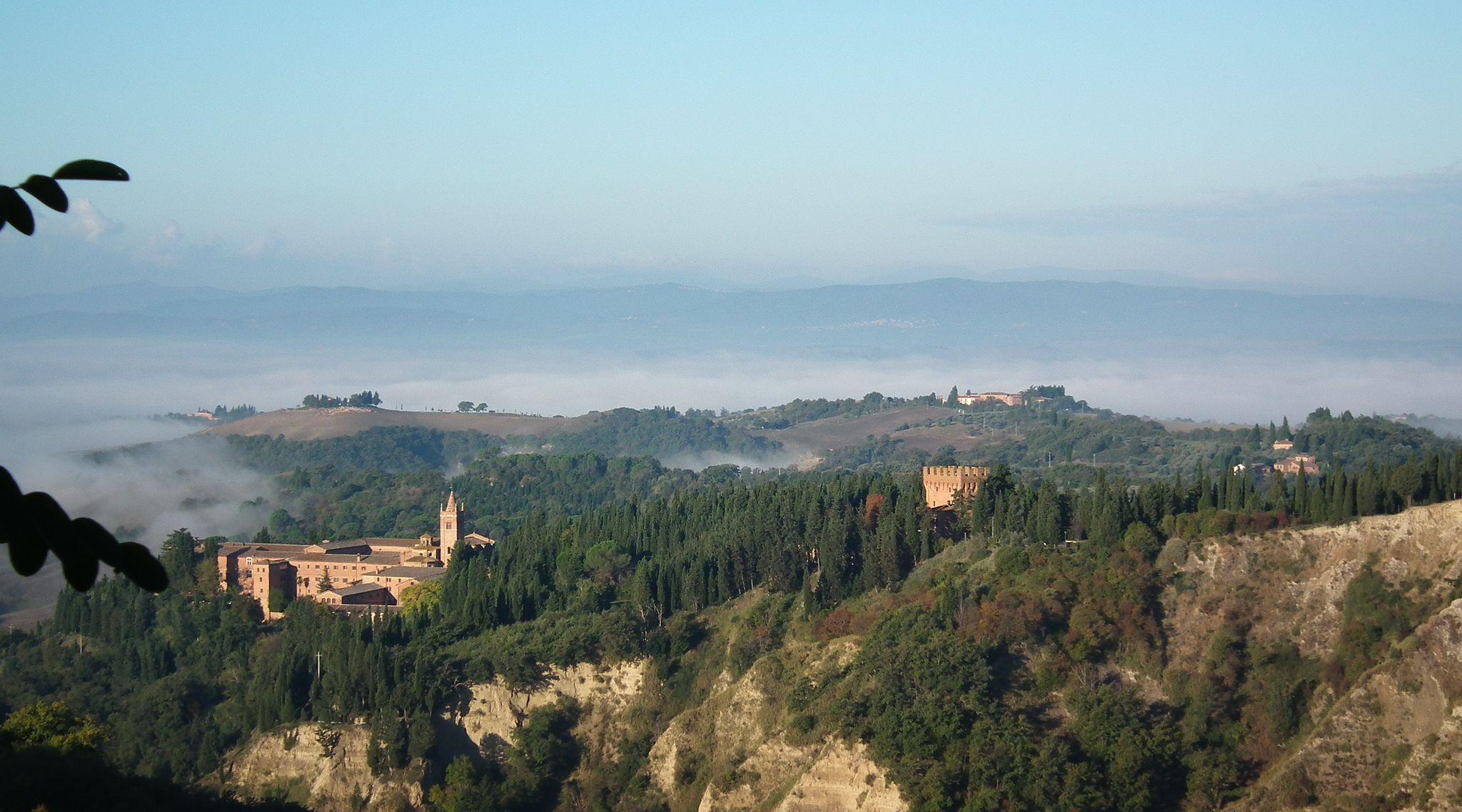 Abbazia di Monte Oliveto Maggiore, Calanchi in the badlands of Accona Desert