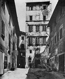 Old, narrow buildingThe Monte di Pietà dei Pilli in Florence, in a 19th-century photograph