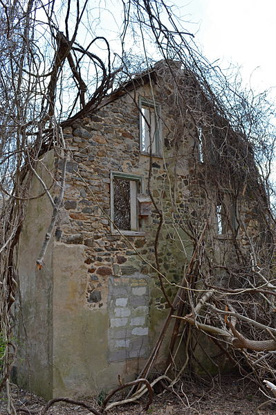 File:Mullen House ruin Ridley Creek SP PA.jpg