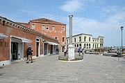 Murano colonna romana granito Venezia.jpg