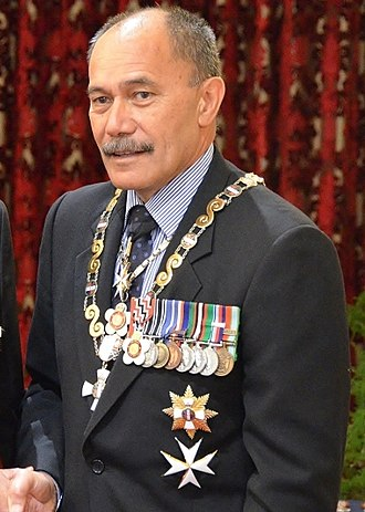 Jerry Mateparae - Mateparae wearing his medals
