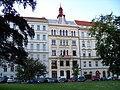 Náměstí Kinských, dům Na Újezdě (01).jpg