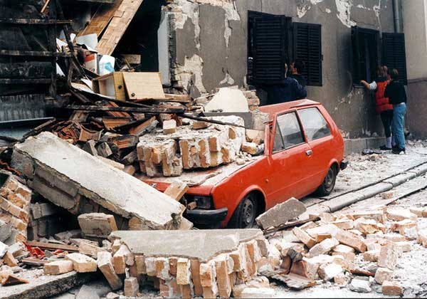 Nacionalni automobil Yugo 1999