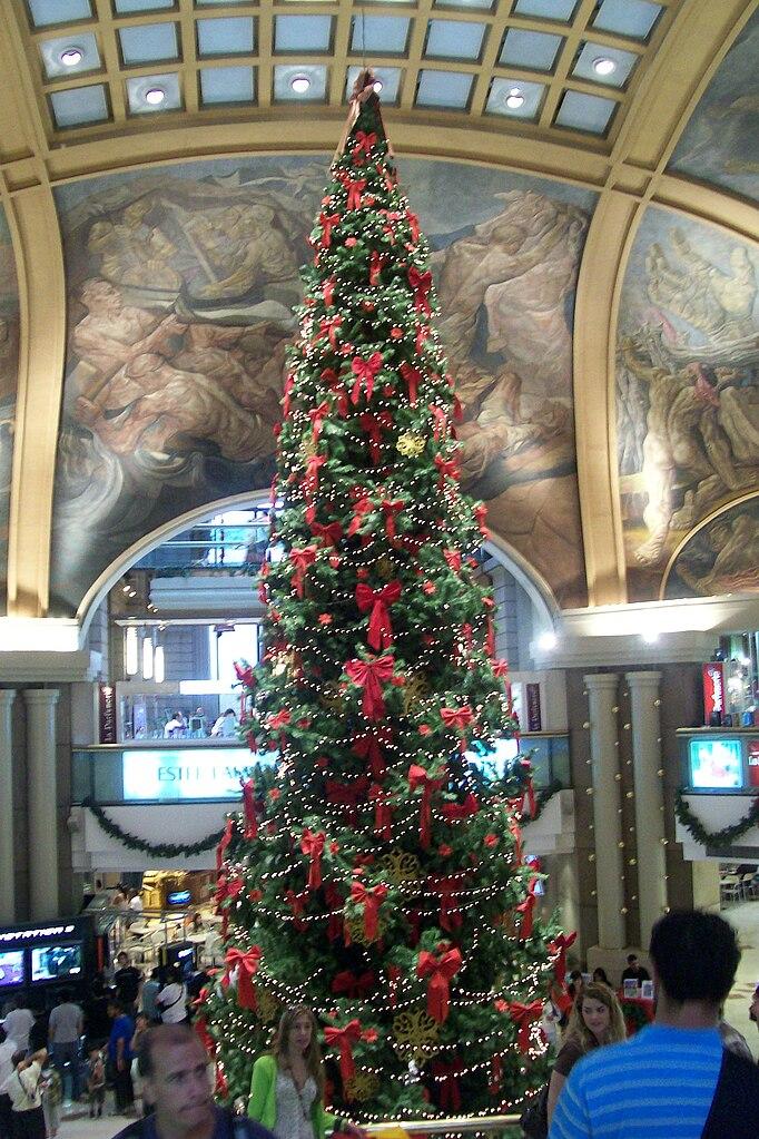 https://upload.wikimedia.org/wikipedia/commons/thumb/6/64/Navidadgpacifico2.jpg/682px-Navidadgpacifico2.jpg