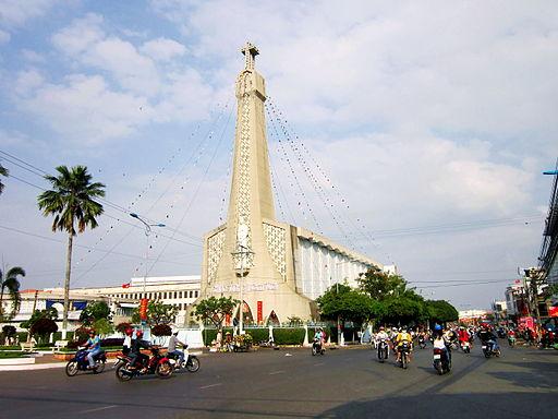 Nhà thờ chính tòa thành phố Long Xuyên