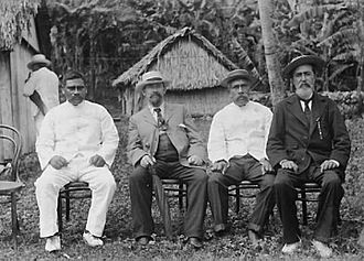 Numangatini Tione Ariki - Image: Nohoroa Ariki, Hon. C.H. Mills, King John, Pa Ariki