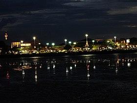 Vista noturna de Macapá.