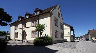 Ötigheim - Image: Oetigheim Gemeindehaus 02 gje