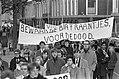 Ongeveer 10.000 kinderen van scholen uit het gehele land demonstreerden in Den H, Bestanddeelnr 922-9924.jpg