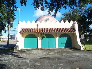 Opa-locka, Florida - Image: Opa Locka FL Root Building maybe 01