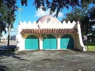 Opa-locka, Florida - Image: Opa Locka FL Root Building maybe 01