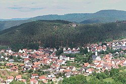 Outlook from the Drachenfels to the village Busenberg.jpg