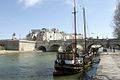 P20 Paris Boat near the Quai Conti (5640293968).jpg
