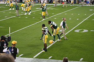 Green Bay Packers secondary stretching before ...
