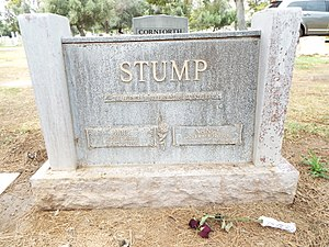 Bob Stump (U.S. Congressman) - Grave site of Robert Lee Stump and Nancy Stump