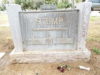 Bob Stump (U.S. Congressman) - Grave site of Robert Lee Stump and Nancy Stump