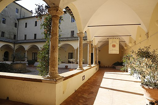 Pienza, chiostro della chiesa di San Francesco