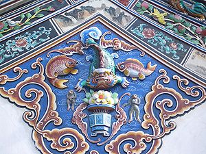 Bukit Cina - Fragment of the decor of the Sam Poh Teng Temple, located at the foot of the hill.