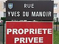 Poissy - RueYves-du-Manoir.JPG