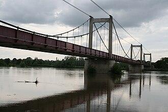 Beaulieu-sur-Loire - The suspension bridge