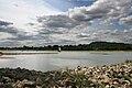 Port de la Possonnière vue de la rive gauche de la Loire.jpg