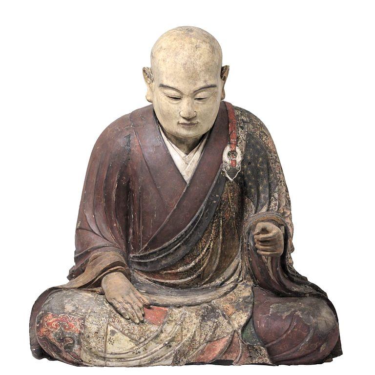 Statue d'un moine, Japon 16e siècle. Dans la collection de musée des Confluences à Lyon.