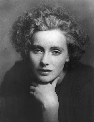 Greta Garbo - Portrait photograph of Greta Garbo, 1925