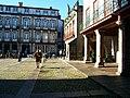 Praça da Oliveira num dia de Sol.jpg