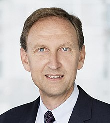 Professor Andreas Kjaer headshot