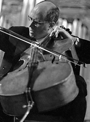 Tout un monde lointain... - Mstislav Rostropovich, the cellist for whom the work was written, in 1959
