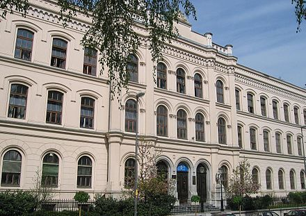 The first complete Realschule (technical grammar school) was established in Ljubljana in 1871