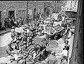 Reka beguncev na poti skozi Tržič, maja 1945.jpg