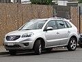 Renault Koleos 2.5 Dynamique 2013 (11427202526).jpg