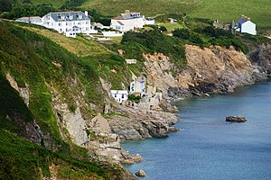 Hallsands - Destroyed houses at Hallsands (beneath the cliffs) and Trout's Hotel and the Coastguard Cottages (on the cliff)