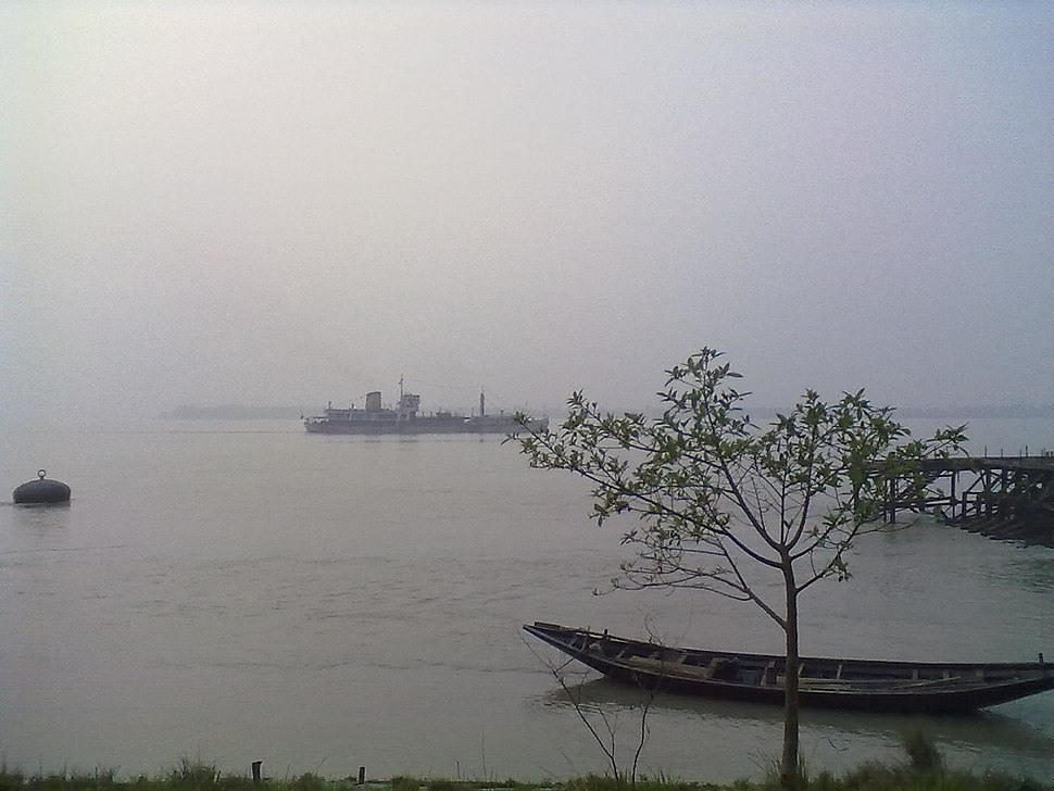Rupnarayan river and hooghly river conecting at Gadiara