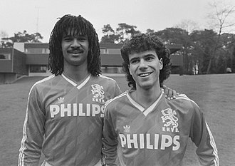 Peter Bosz - Bosz (right) and Ruud Gullit with the Dutch national team in 1988.
