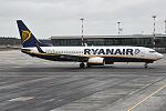 Ryanair, EI-ESV, Boeing 737-8AS (24752339286).jpg