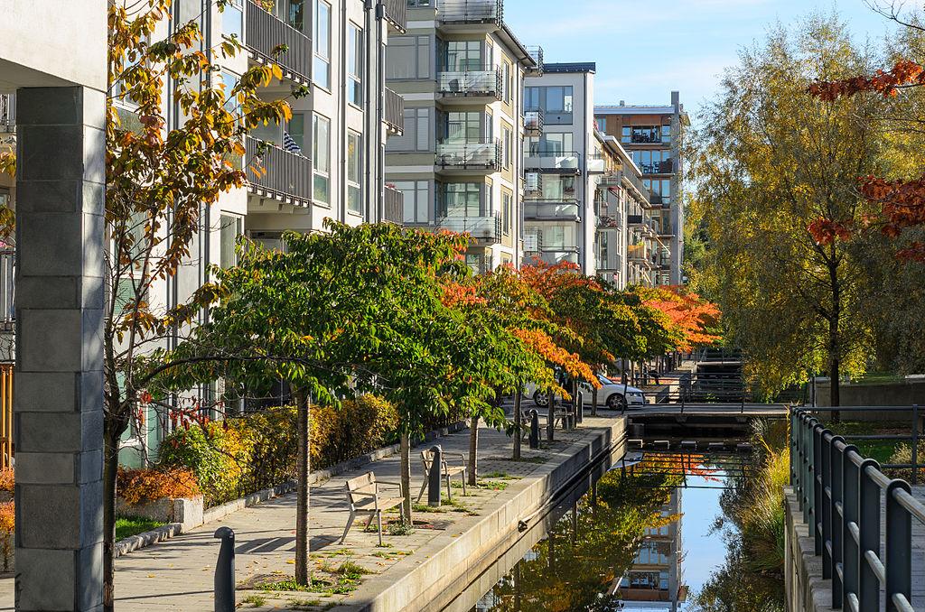 Södra Hammarbyhamnen October 2013 01.jpg