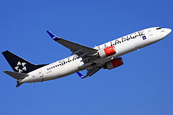 SAS Star Alliance 737-883.jpg