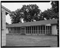 SIDE WALL OF STANDARD WARD, SHOWING SCREENED PORCH - Fort McCoy, Building T-1046, Sparta, Monroe County, WI HABS WIS,41-SPAR.V,1-I-4.tif