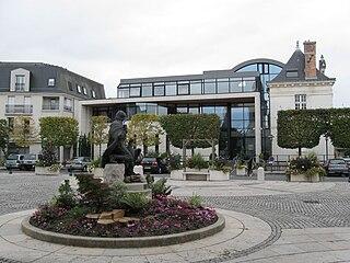 Saint-Jean-le-Blanc, Loiret Commune in Centre-Val de Loire, France