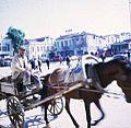 Samsun Cumhuriyet Meydanı'nında bir at arabası.jpg