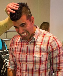 [Image: 220px-Sarah_Worthy_and_Bobak_Ferdowsi_at...ropped.jpg]
