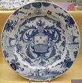 Savona, piatto con arme araldica, xvii secolo.JPG
