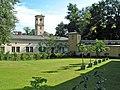 Schloss Glienicke mit Garten der Orangerie - panoramio.jpg