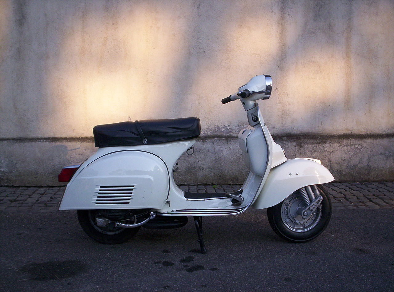 file scooter piaggio vespa 125 wikimedia commons. Black Bedroom Furniture Sets. Home Design Ideas