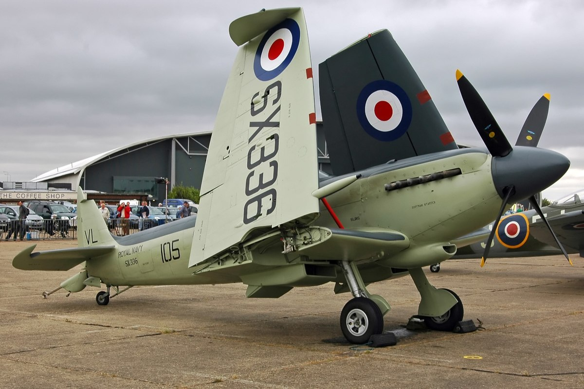 Seafire F XVII SX 336 wings up.jpg