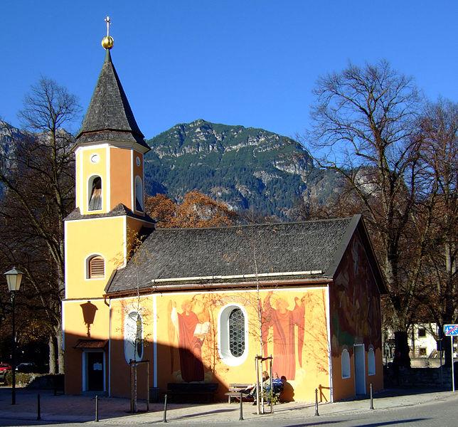 File:Sebastianskirche (Garmisch-Partenkirchen)-1.jpg