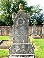 Septfonds-FR-89-cimetière-07.jpg