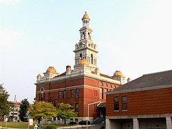 Sevier-county-tn-courthouse.jpg